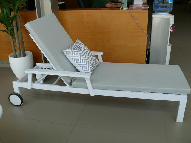 Venice Cushioned Sunlounger